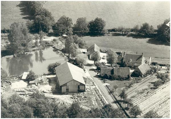 030A.1967.Mennetou la Lorennerie vue aérienne cl_600